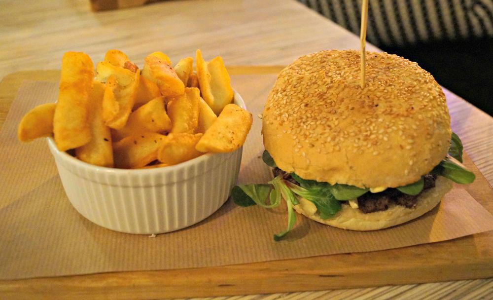 Friends_burger1