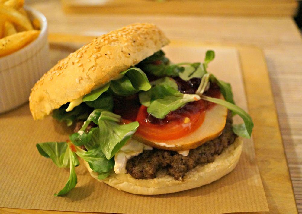 Friends_burger2