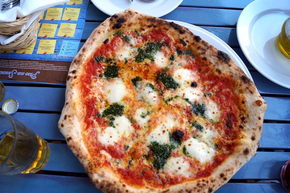 piec na szewskiej_pizza genuenska 1